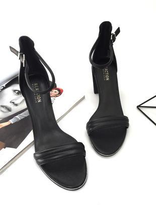 Невероятно стильные и женственные черные босоножки kenneth cole!