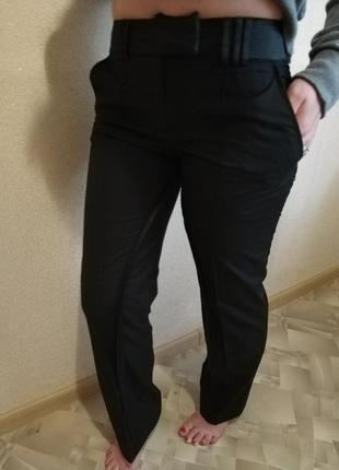 Классические чёрные брюки с лампасами