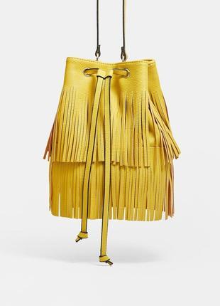 Новая яркая сумка -мешок с бахромой