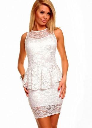 Нарядное, фирменное белое гипюровое платье с баской vero moda. размер 48