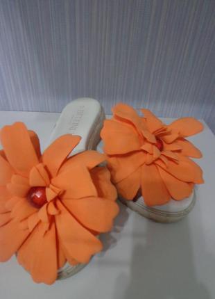 Шлепки шлепанцы цветок