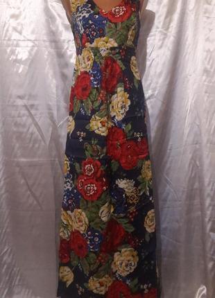 Красивый длинный сарафан с крупными яркими цветами