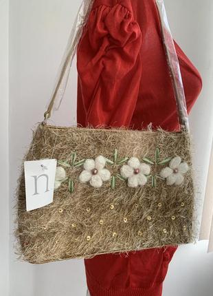 Оригинальная сумка травка на плечо с макраме объёмными цветами и паетками