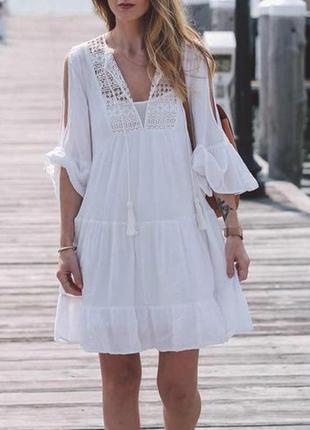 Платье пляжное короткое белое с гипюром