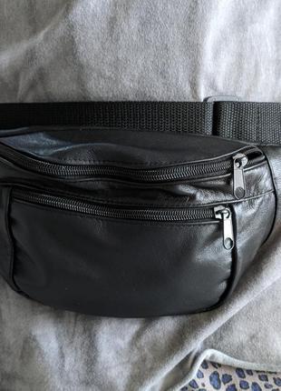 Большая бананка натуральная кожа, сумка на пояс вместительная черная кожа3 фото