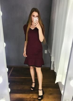 0e20901c791 Платье бордо бордовое марсала рукав 3 4 с выточками с воланом внизу