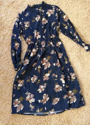 Платье из микровельвета