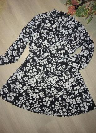 Бомбезное платье цветочный принт