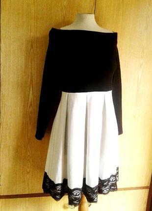 Черно - белое трикотажное платье ,l.