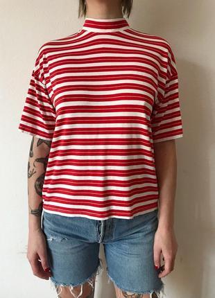 Необычная футболка оверсайз