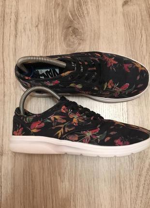 Оригинальные кроссовки vans