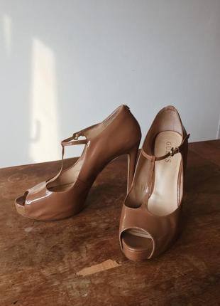 Туфли босоножки guess оригинал бежевые открытый носок стильные1 фото