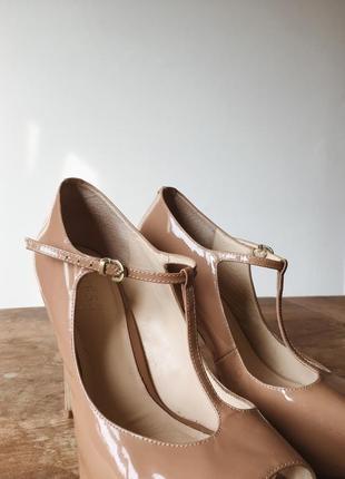 Туфли босоножки guess оригинал бежевые открытый носок стильные4 фото