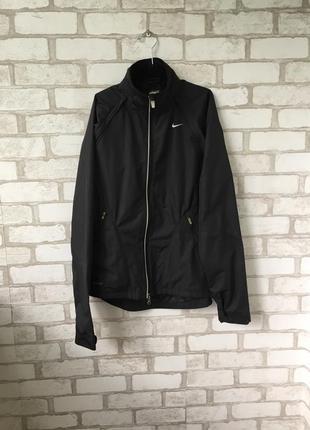 Чёрная курточка ветровка nike