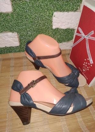 Шкiряни босонижки footglove