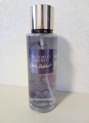 Знаменитый парфюмированный спрей мист для тела victoria´s secret love addict