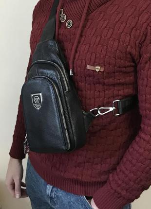 Мужская сумка-слинг. через плечо. натуральная кожа
