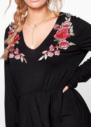 Красивая блуза с розами