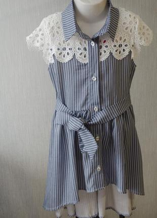 Крутое летнее каталожное платье с кружевом под пояс на пуговицах в линию