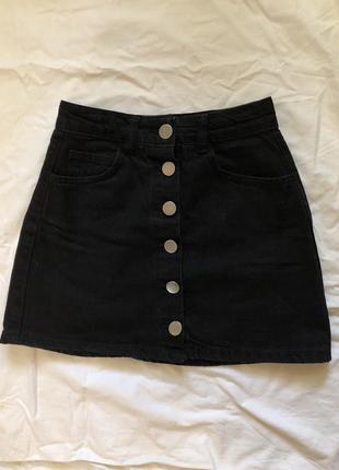 Чёрная юбка трапеция джинсовая а-силуэта4 фото