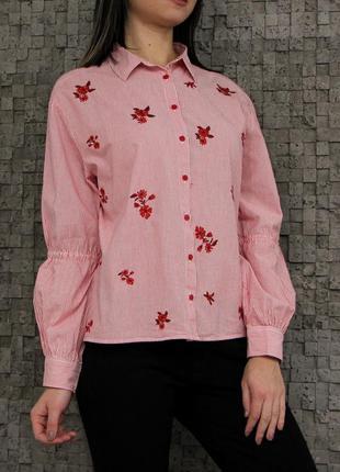 Стильная рубашка с вышивкой из натуральной ткани