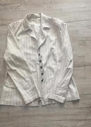 Свободный пиджак из льна