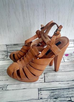 Босоножки коричневая кожа 23 см стелька 36 размер высокий каблук