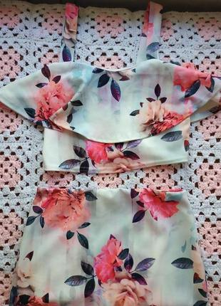 Крутой костюм топ + юбочка миди в цветочный принт new look
