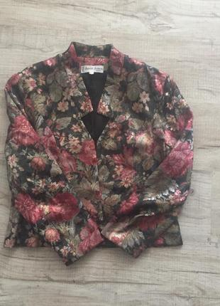 Очень красивый пиджак