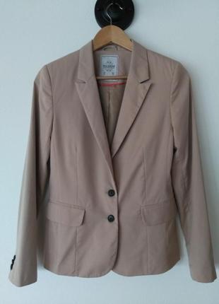 Стильный базовый пиджак pull&bear