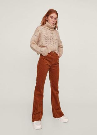 Вельветовые расклешенные джинсы  stradivarius