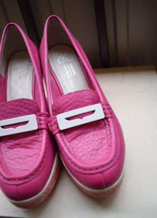 Кожаные туфли на танкетке лоферы лодочки балетки