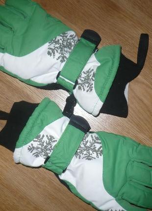 Перчатки лыжные 13-17лет зеленые