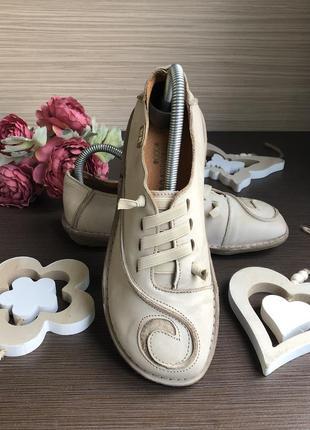 Креативные туфли,мокасины whitered