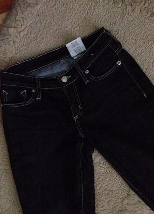 Черные скини джинсы