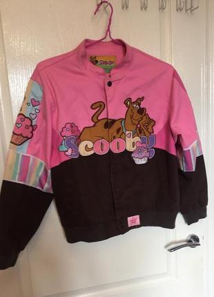 Джинсовая куртка, принт, кекс, скуби ду, яркая, розовая, бомбер