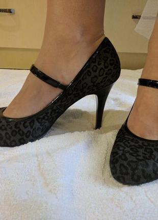 Кожаные туфли и внутри и снаружи, из кожи нерпы, леопардовый принт