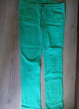 Зелёные джинсы
