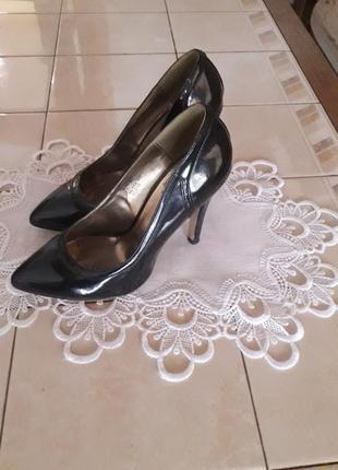 Туфлі valentin yudashkin