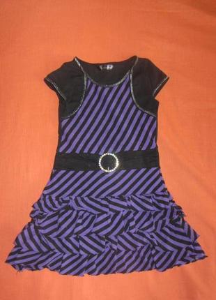 Нарядное платье с воланами 6-7 лет