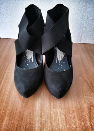 Замшевые черные туфельки marco tozzi