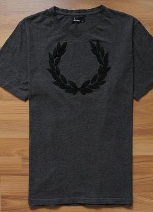 Базовая футболка fred perry big logo