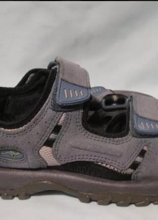 Спортивные удобные сандалии легендарной фирмы kangaroos босоножки на липучках