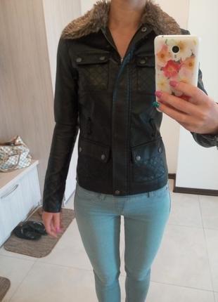 Классная куртка под кожу jennifer