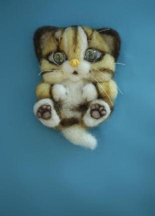 Брошь валяная котенок
