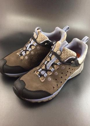 Merrell шкіряні трекінгові кросівки