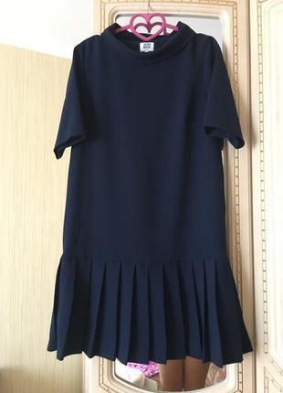 Трендовое женственное платье, темно синее