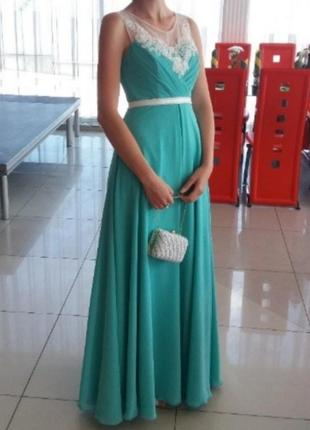 Шифонова вечірня сукня ніжного м'ятного кольору