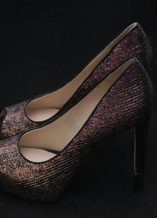 Туфли с открытым носком guess, бронзового цвета2 фото
