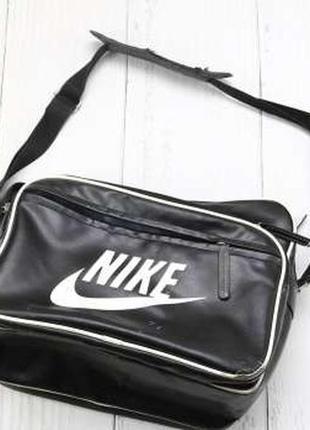 Nike черная спортивная сумка